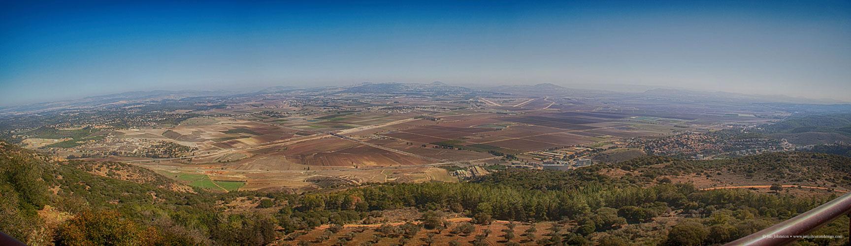 Armegeddon-Valley-Pano